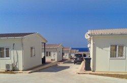 Desa liburan prefabrikasi oleh Karmod di Libya